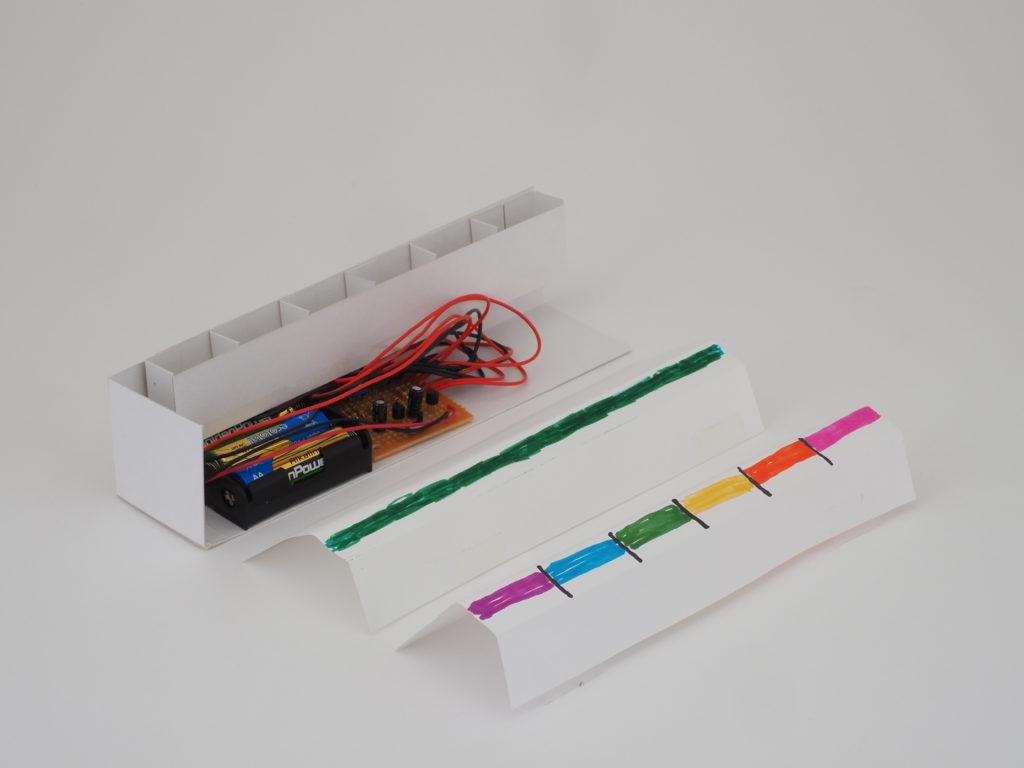 LEDの色を変える紙のバリエーション